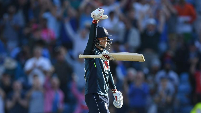 Joe Root scored 946 runs from 24 innings at 59.12 including three centuries and five fifties