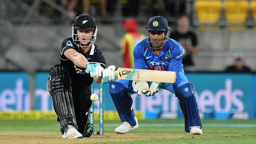 Neesham kept New Zealand in the hunt with his 44 off 32 balls