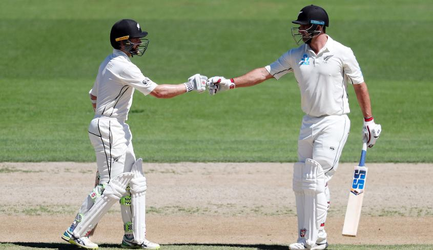 New Zealand sprinted towards a record Test total during the Williamson-de Grandhomme partnership