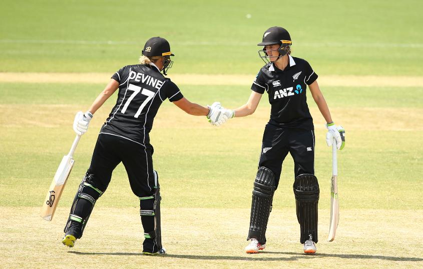 Sophie Devine and Amy Satterthwaite were among the runs for New Zealand, but they needed more