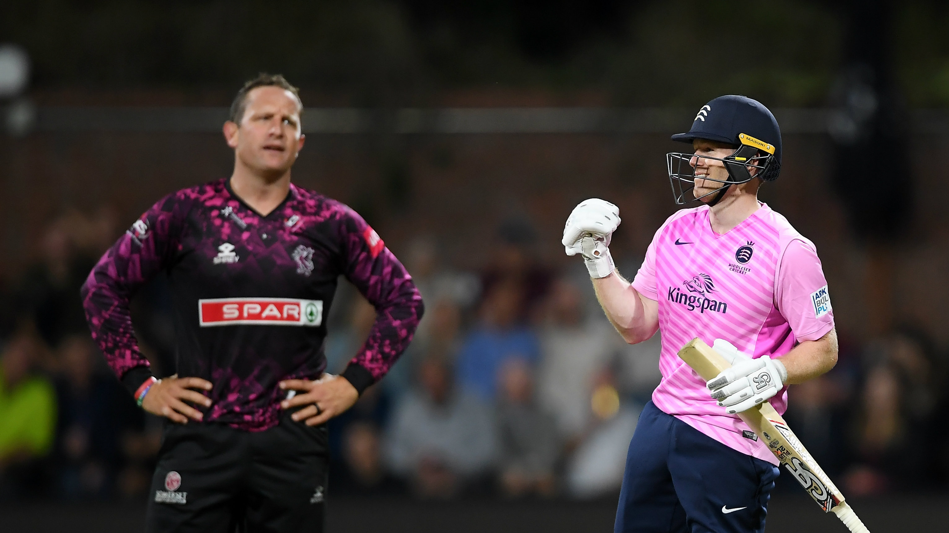 Eoin Morgan smashes 83* from 29 balls in record T20 chase