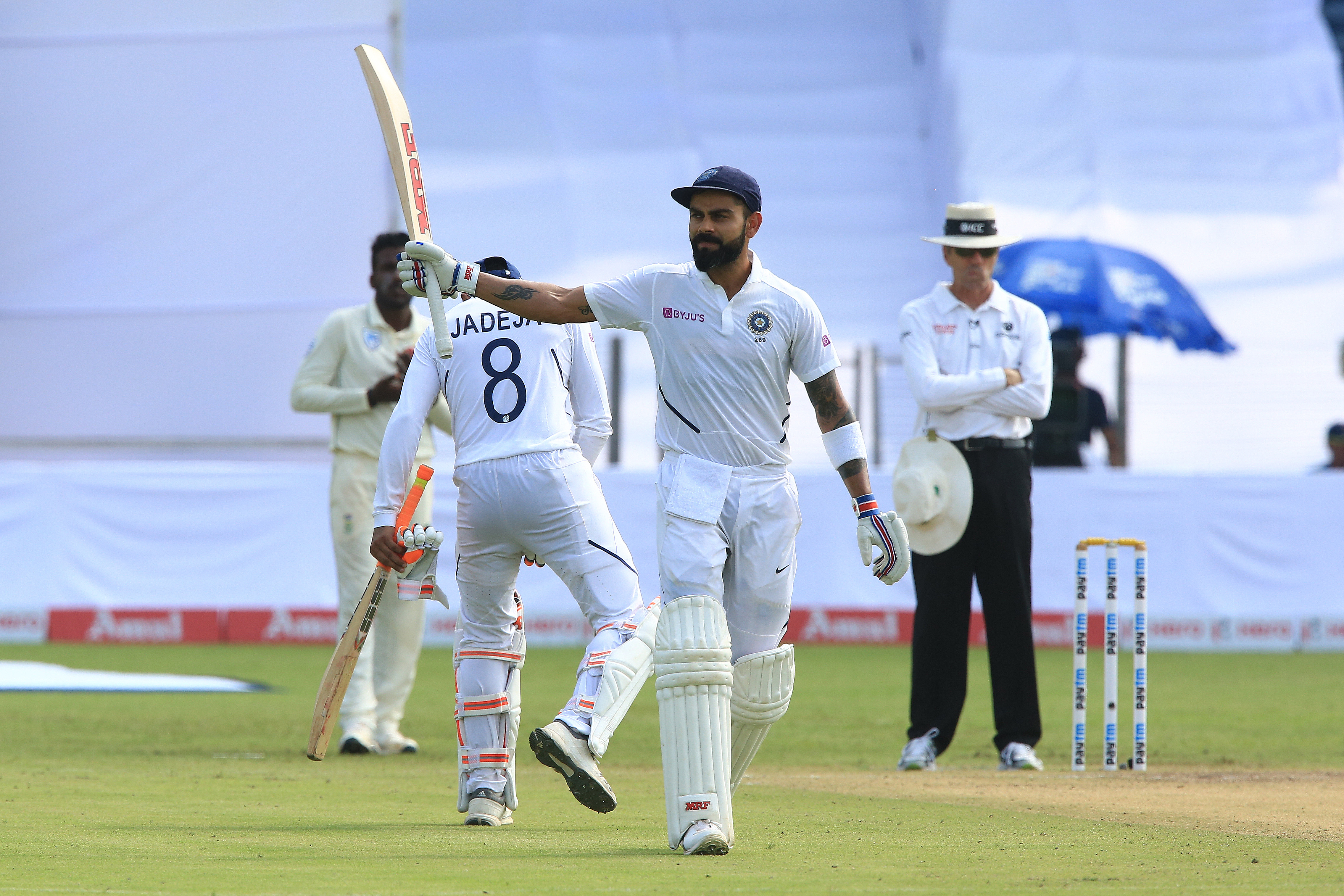 Kohli showcases brilliance before seamers dent South Africa further