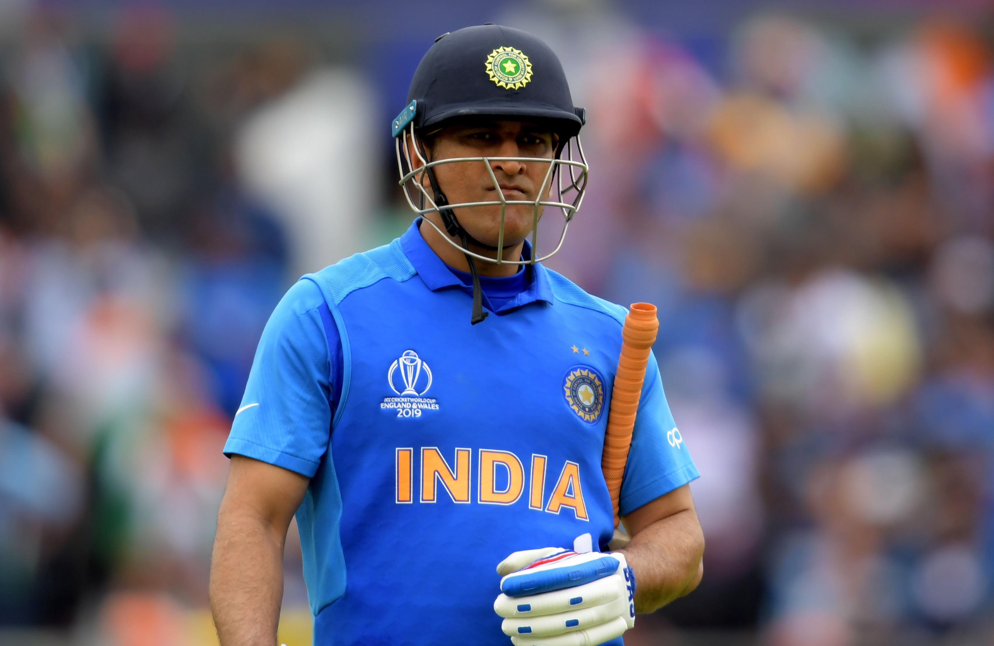 Dhoni's T20 World Cup inclusion rests on IPL performance, says Shastri