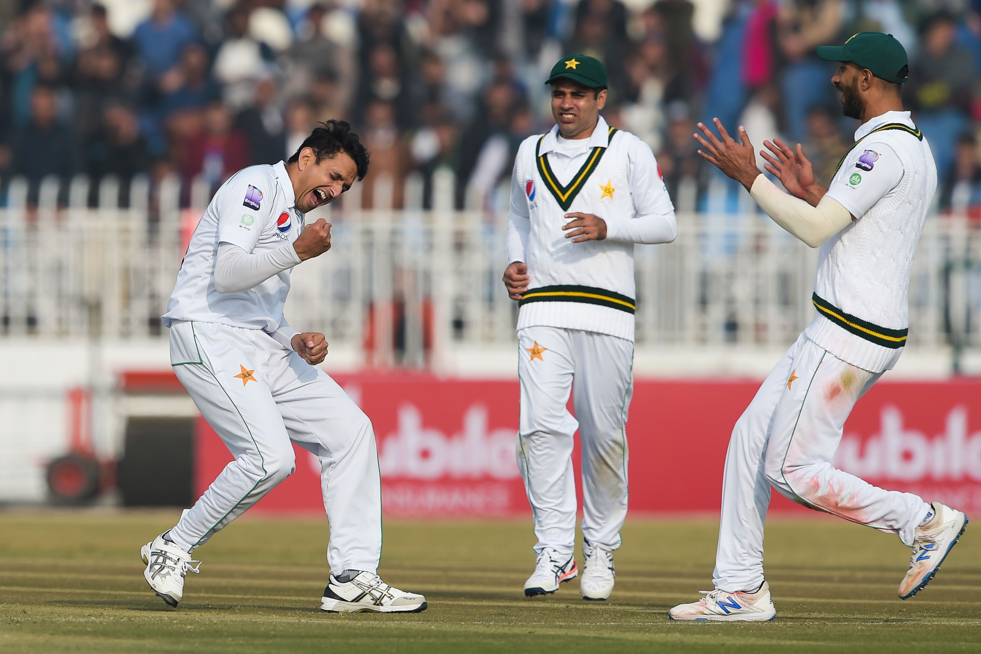 Pakistan pacers shine as Tests come home, but Sri Lanka hold steady