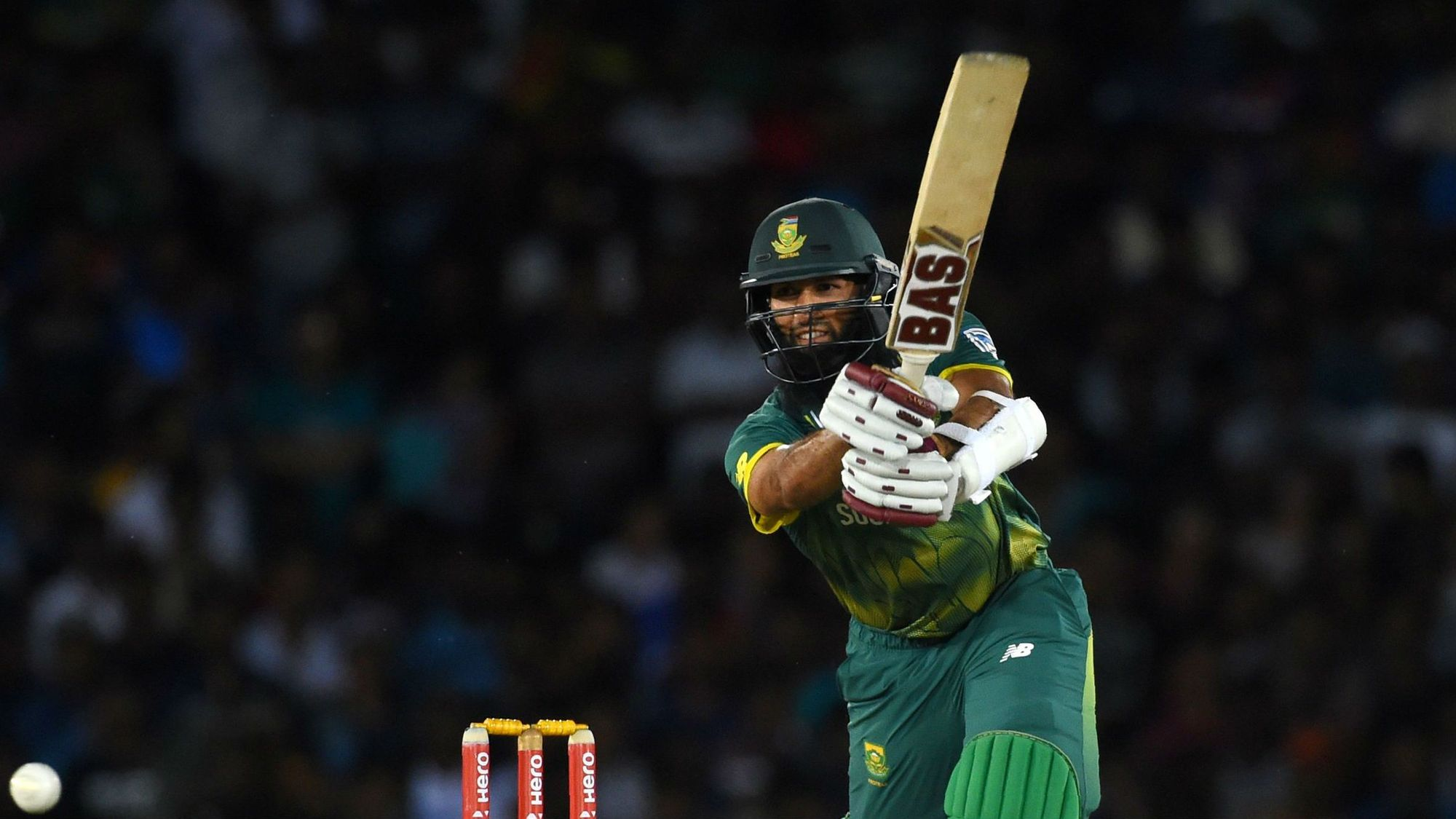 Amla edges out Hendricks to make South Africa's World Cup squad
