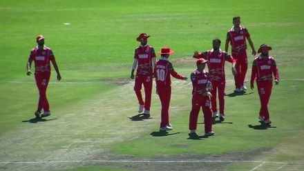 WCL 2: Hong Kong v Oman – Bilal Khan bowls Jhatavedh Subramanyan for third wicket in the over