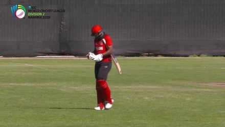 WCL 2: Hong Kong v USA –  Barbar skies one to Gore off his own bowling
