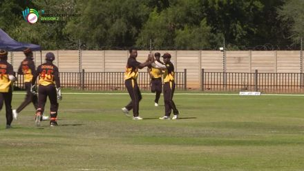 WCL 2: USA v PNG – Bau takes a good catch to dismiss Walsh