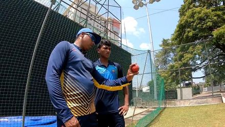 'Don't take shortcuts' – Chaminda Vaas' message to young fast bowlers