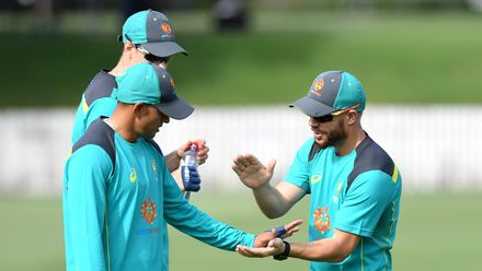 Team-mates welcome back David Warner