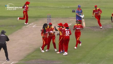 Women's Qualifier 2019 – Africa: Final – Zimbabwe's Nomvelo Sibanda dismisses Irene van Zyl caught and bowled