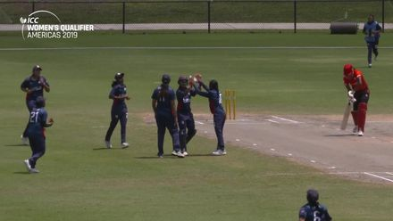 Women's Qualifier, 2019 - Americas: USA v Canada - Clean bowled