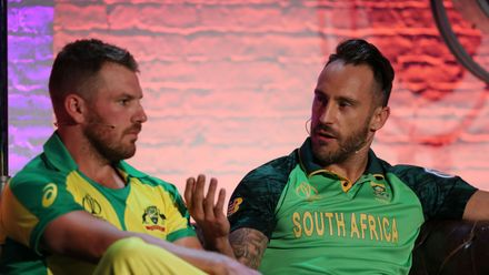 Faf du Plessis gives some advice, but Aaron Finch seems preoccupied
