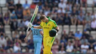 Smith reaches century