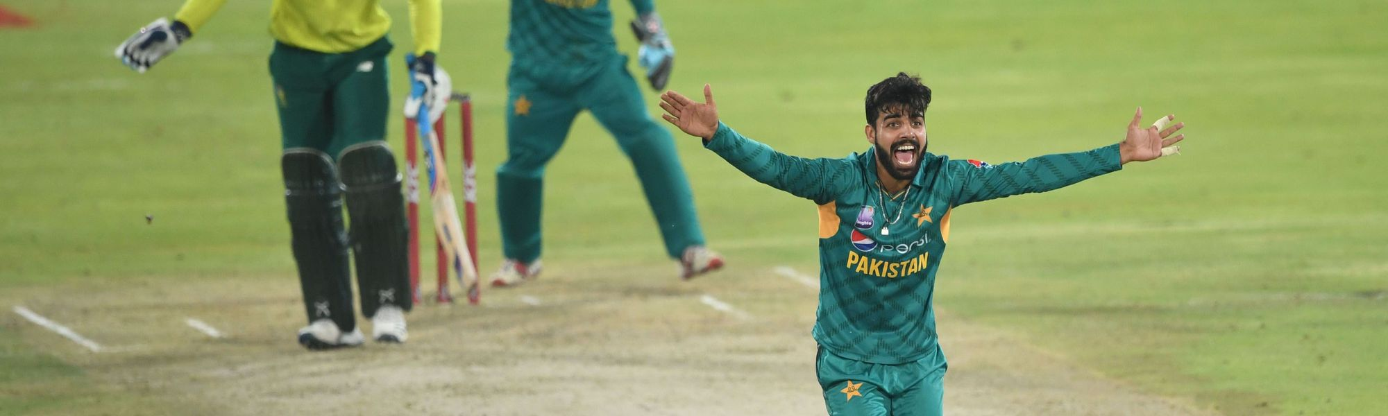 Shadab Khan appeals for a wicket