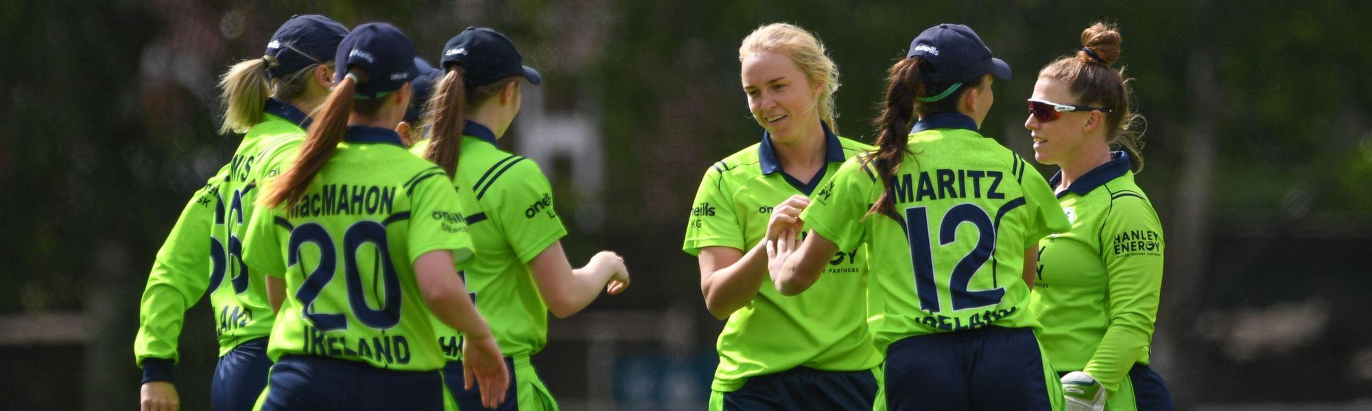 Kim Garth claims third wicket