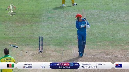 CWC19: AFG v AUS - Mujeeb cleaned up by Cummins