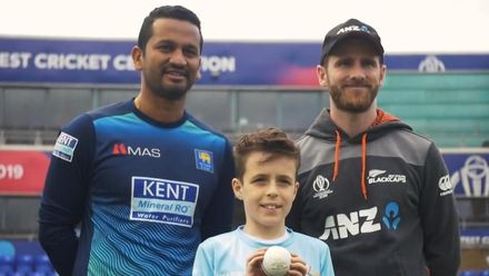 CWC19: NZ v SL - Young fan completes Ultimate Delivery in Cardiff