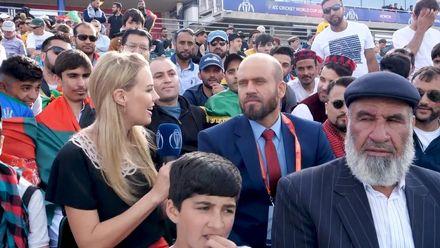 CWC19: AFG V AUS – Elma Smit meets Mirwais Ashraf in the crowd