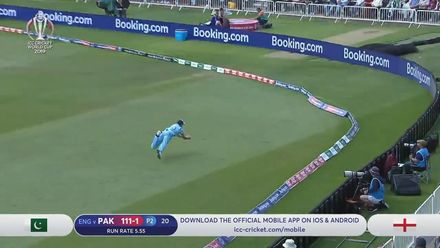 Nissan POTD: Woakes' amazing running catch