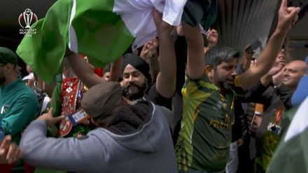 CWC19: Eng v Pak - Pakistan fans dancing at Trent Bridge
