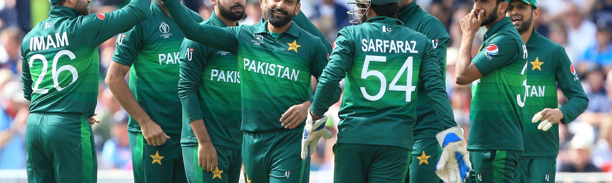 Pakistan roar back despite Root, Buttler hundreds