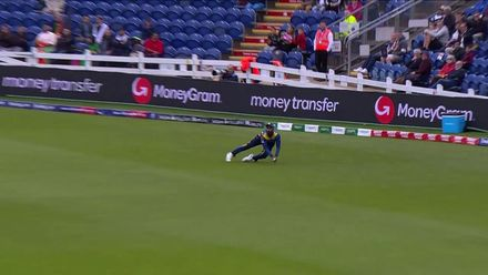 Nissan POTD: Thisara's amazing catch