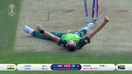 CWC19: SA v IND - Morris takes high catch off his own bowling