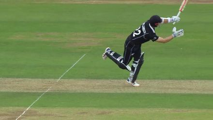 CWC19: BAN v NZ - Mehidy makes the breakthrough removing Williamson