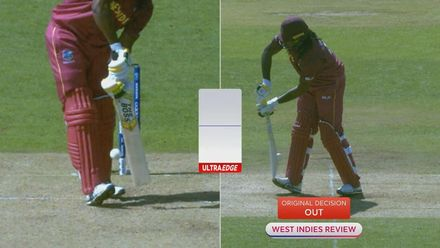 CWC19: AUS v WI - Chris Gayle is lbw to Mitchell Starc