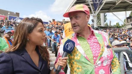 CWC19: IND v AUS - Lime green and magenta Australian