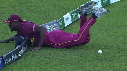 CWC19: SA v WI - Brathwaite dives to save a boundary