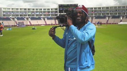 CWC19: SA v WI - Gayle tries his hand at being a cameraman