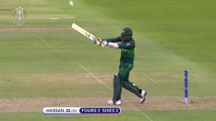 CWC19: AUS v PAK – Hassan Ali smacks three fours and as many sixes in his fiery cameo
