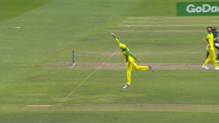CWC19: AUS v PAK – Splendid fielding effort from Maxwell runs out Sarfaraz