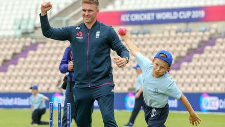 Looks like Jason Roy has some bowling tips to hand out too!