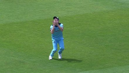 CWC19: ENG v WI - Andre Russell is dropped by Woakes in the deep