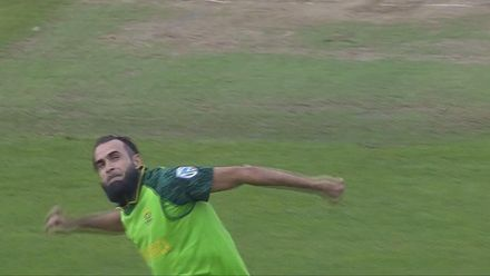 Nissan POTD: Tahir takes the stumps with a googly