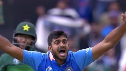 CWC19: IND v PAK - Shankar strikes with his first ball in World Cup cricket