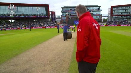 CWC19: IND v PAK - Mid-game pitch maintenance