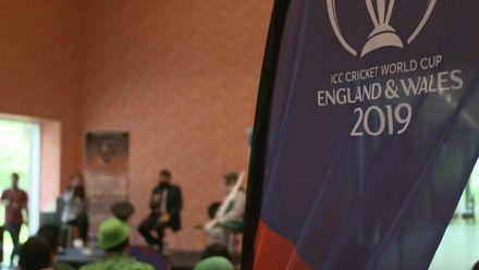 CWC19: Misbah-ul-Haq visits Pakistan fans in Manchester