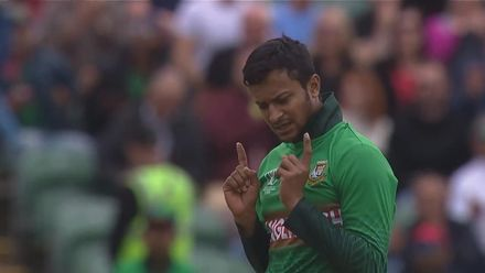 CWC19: WI v BAN - Pooran is caught at long-on off Shakib