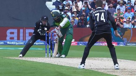 Nissan POTD: Mitch Santner clips the top of off stump to remove Amla