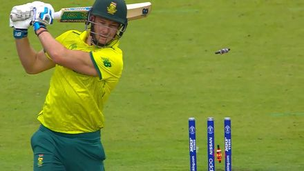 CWC19: Pak v SA - Miller is bowled by Shaheen