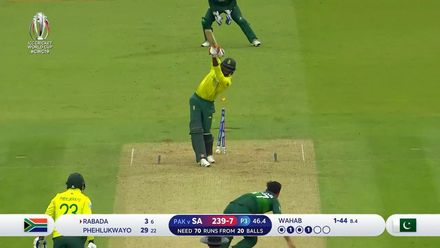 CWC19: Pak v SA - Rabada is bowled by a full toss from Wahab