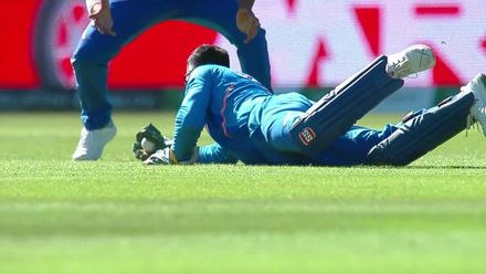 CWC19: WI v IND – Dhoni takes an exceptional diving catch