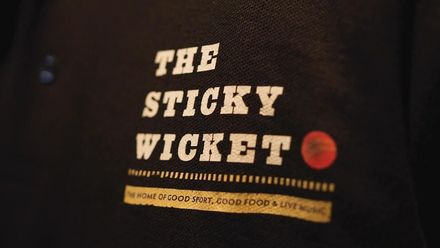 CWC19: SL v SA - Elma visits the Sticky Wicket bar