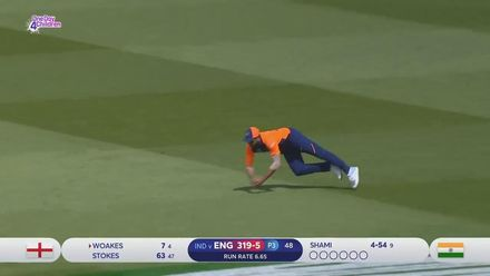 CWC19: ENG v IND - Chris Woakes falls to Mohammed Shami