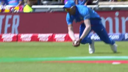 CWC19: SL v IND - Hardik takes a stunning catch