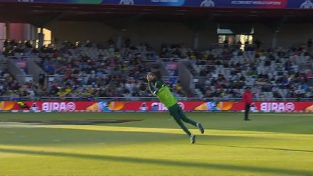 CWC19: AUS v SA - Warner falls for 122 after Morris' wonder catch